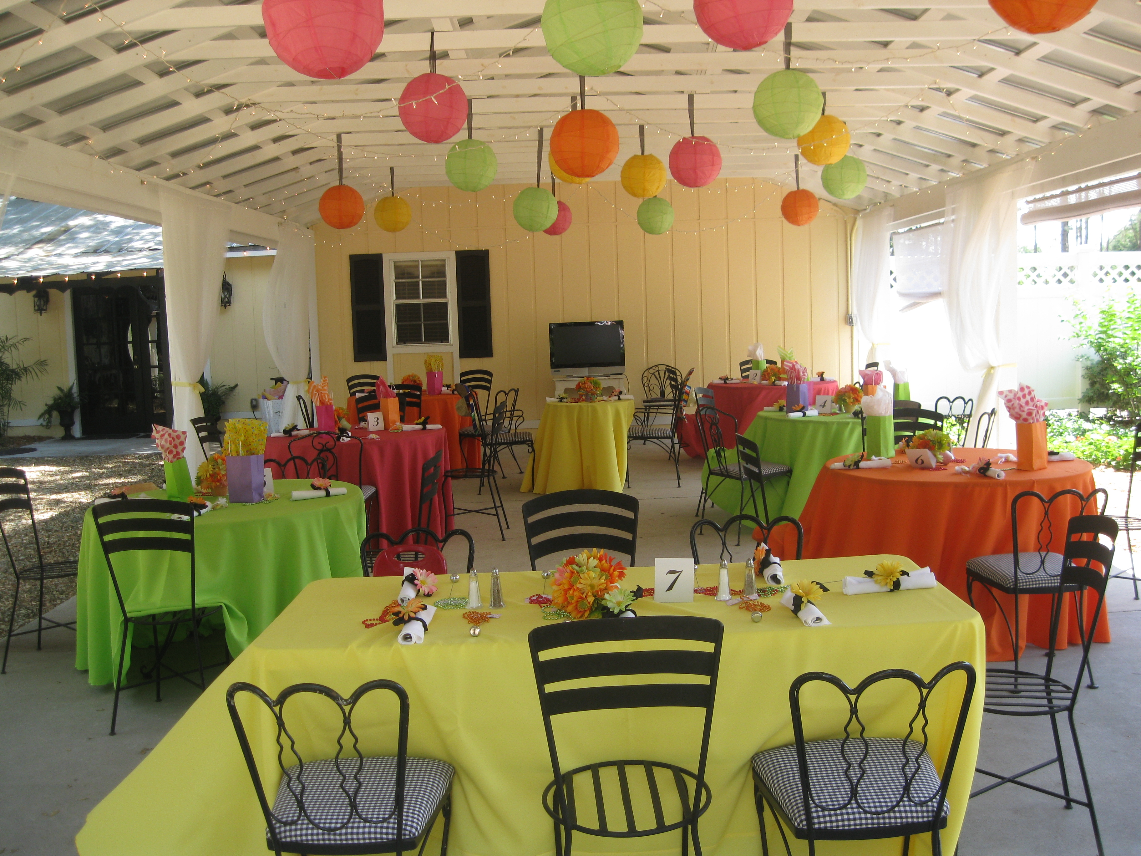 Colorful Tablecloths No Overlay Mexican Themed Fiesta
